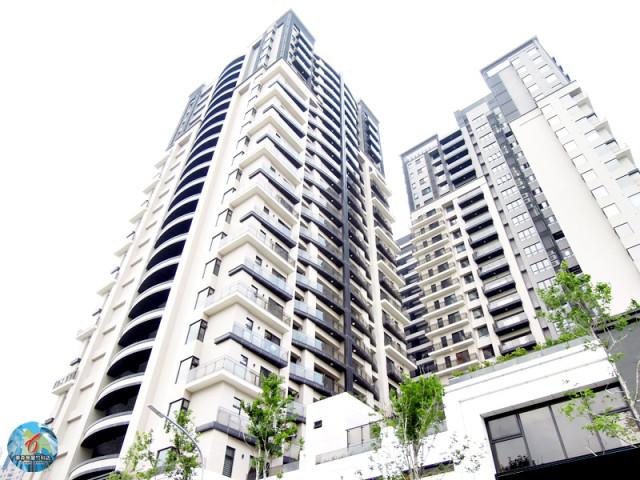 世界島黃金樓層4房雙平車 售1950萬